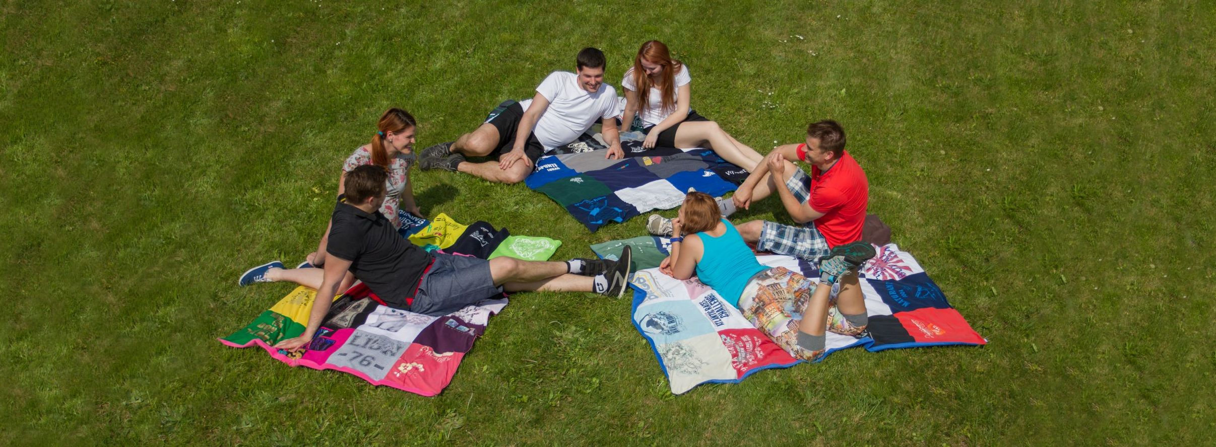 Deky z triček na piknik, nebo na destival